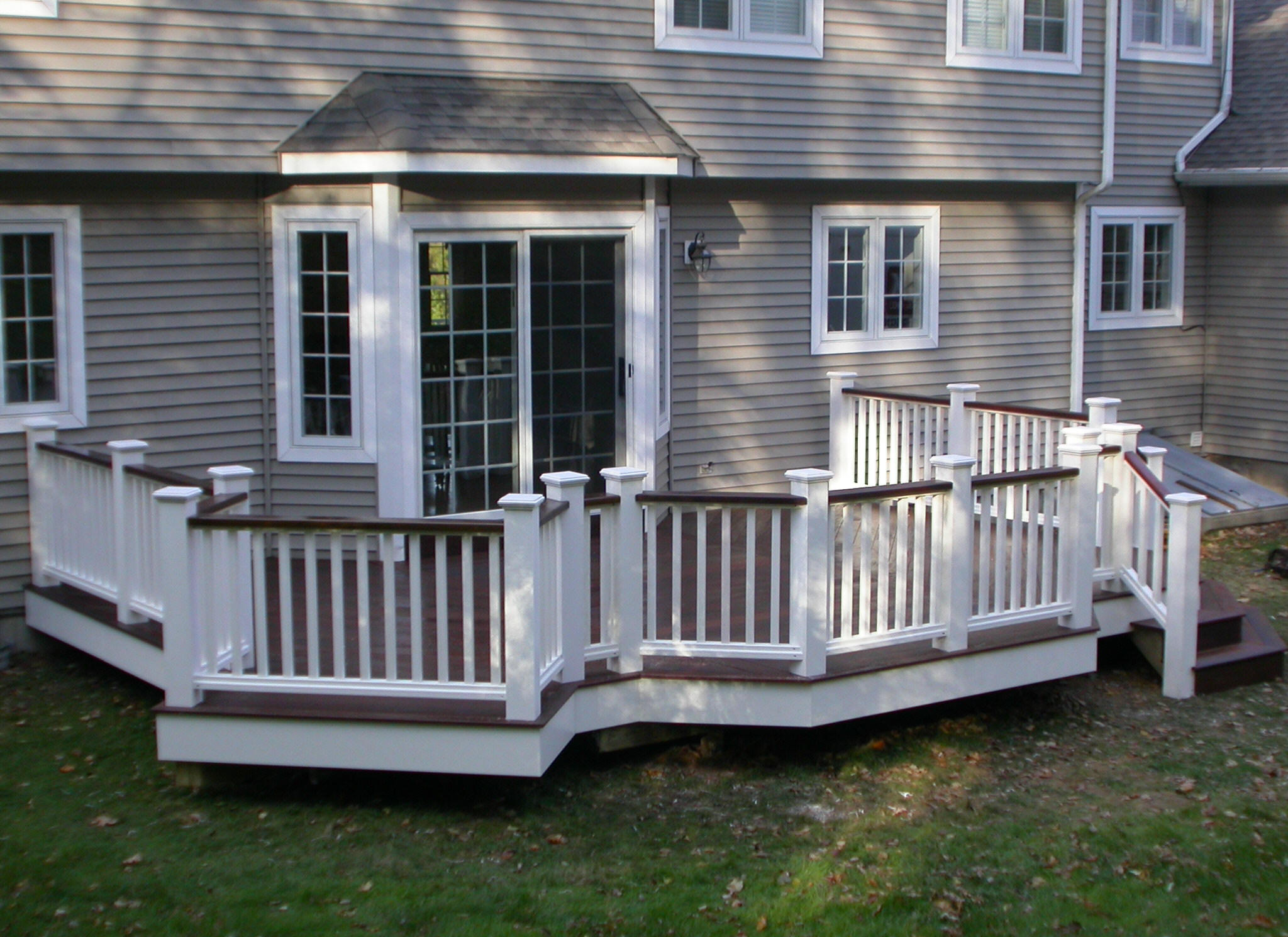 Connecticut ct deck building contractor for Balcony colour combination